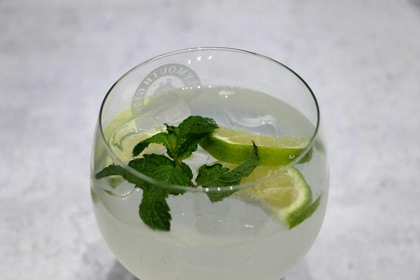 Cointreau Fizz Cocktail