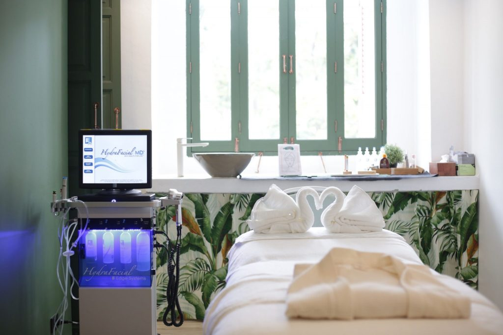 Treatment Room at Bangkok's Wild Clinic